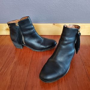 Pikolinos Andorra Ankle Boots